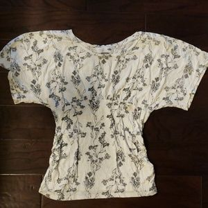 Old navy maternity black & white floral top large